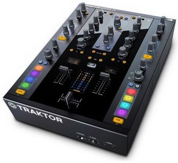 Native Instruments Traktor Kontrol Z2 DJ Mixer and Controller